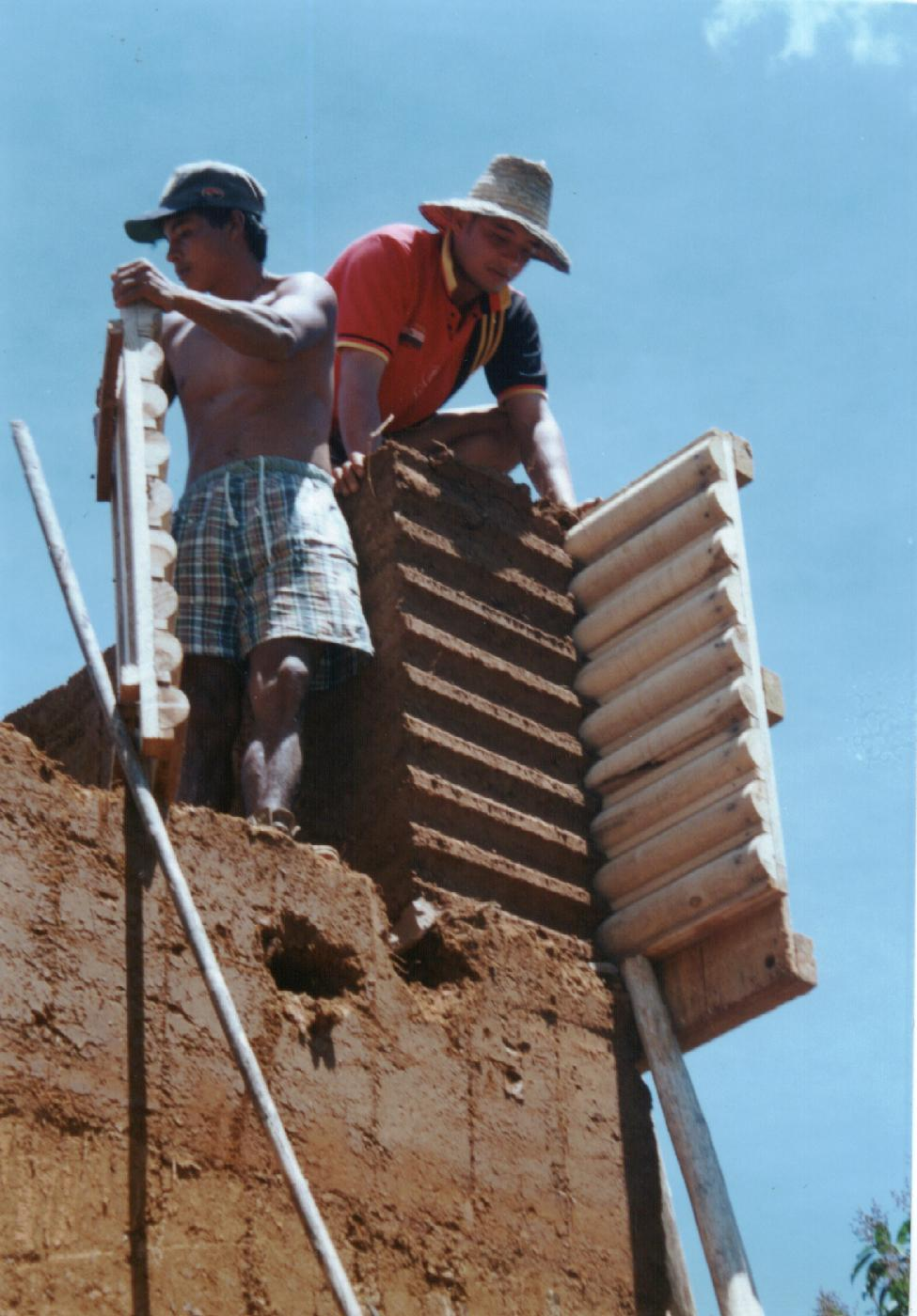 montando-formaleta-acanalada-horizontal-2
